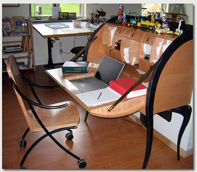 iza-trapani-desk-and-workspace